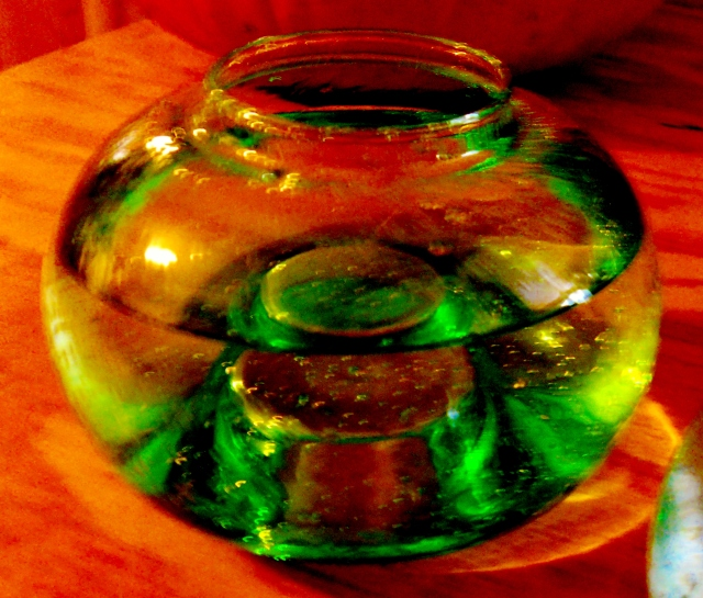 vase with water  ⓒBearspawprint2015 03.08.2015