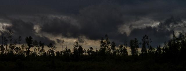 SUNRISE WITH CLOUDS AND RAIN  ⓒBearspawprint2014  03.05.2014